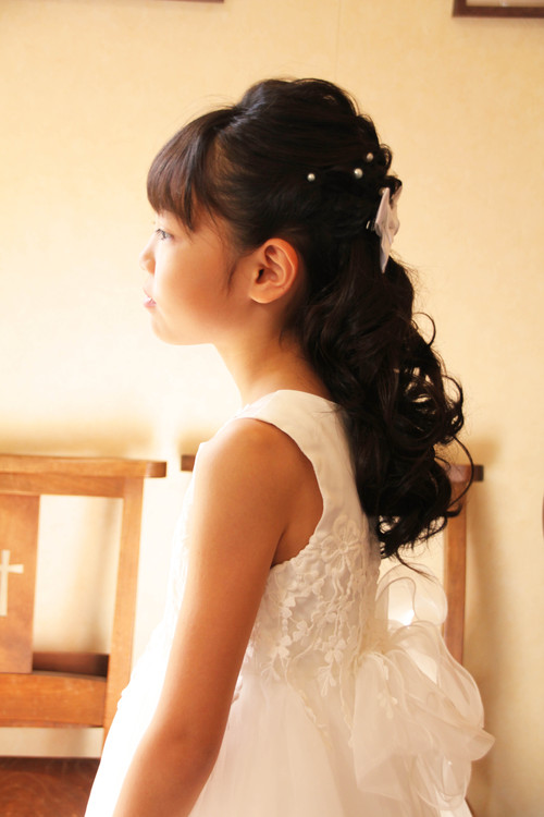 ピアノ発表会 ハーフアップ ヘアアレンジ 子供 髪型 ドレス さくら市美容室エスポワール_f0052744_1133097.jpg