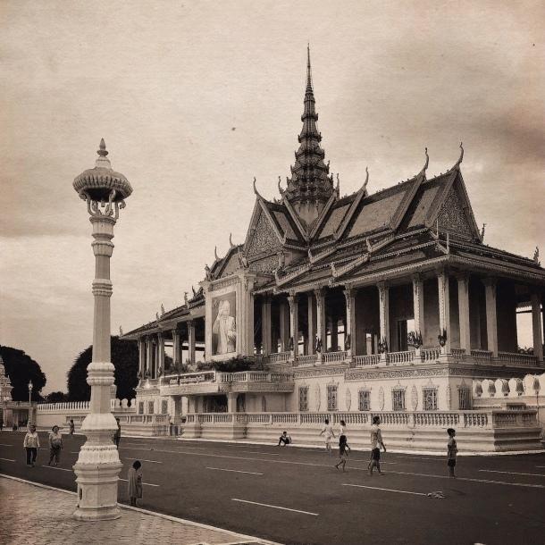 タイの黒、カンボジアの手仕事_a0086851_00060684.jpg