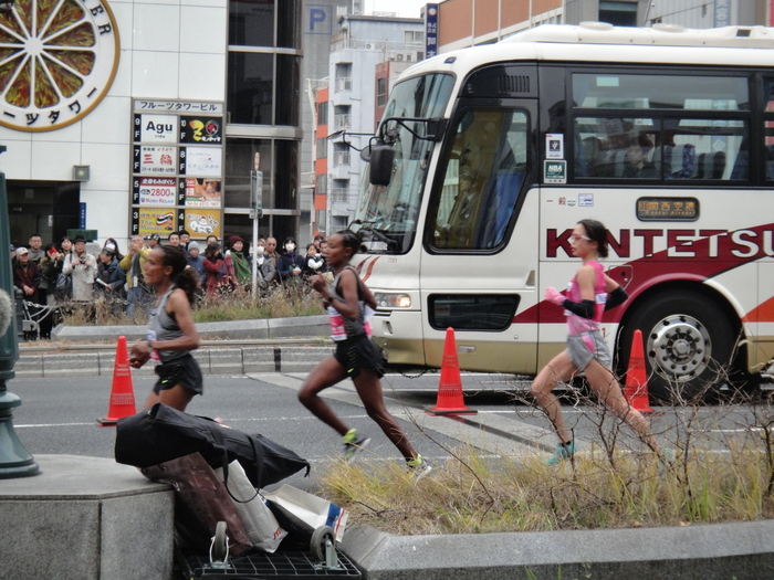 ◆2017大阪国際女子マラソン ~重友5年ぶり・涙の優勝~_f0238779_19235411.jpg