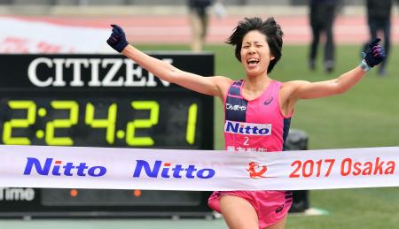 ◆2017大阪国際女子マラソン ~重友5年ぶり・涙の優勝~_f0238779_19275648.jpg