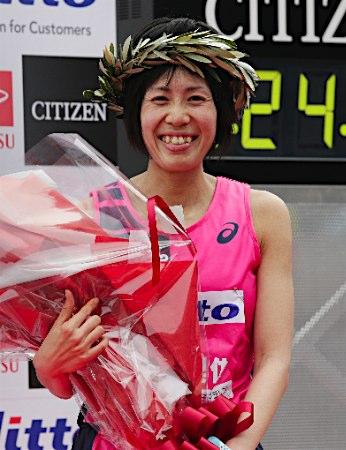 ◆2017大阪国際女子マラソン ~重友5年ぶり・涙の優勝~_f0238779_19283540.jpg