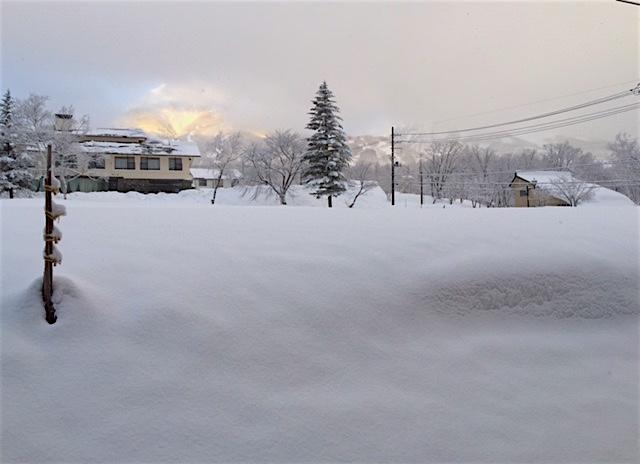 妙高高原から雪の便りが届きました_a0031363_1125833.jpg