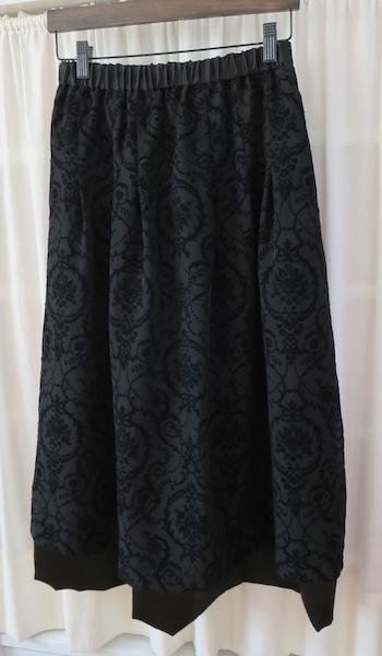 黒・フロッキースカート_f0182167_17082819.jpg
