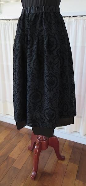 黒・フロッキースカート_f0182167_17083593.jpg