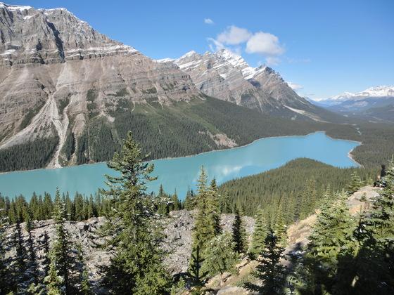 時を忘れさせるペイトレイク;カナダ・バンフ国立公園_c0155158_1445314.jpg