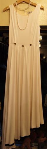 CHANEL white dress_f0144612_23080328.jpg