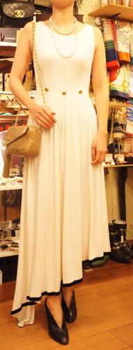 CHANEL white dress_f0144612_23080382.jpg