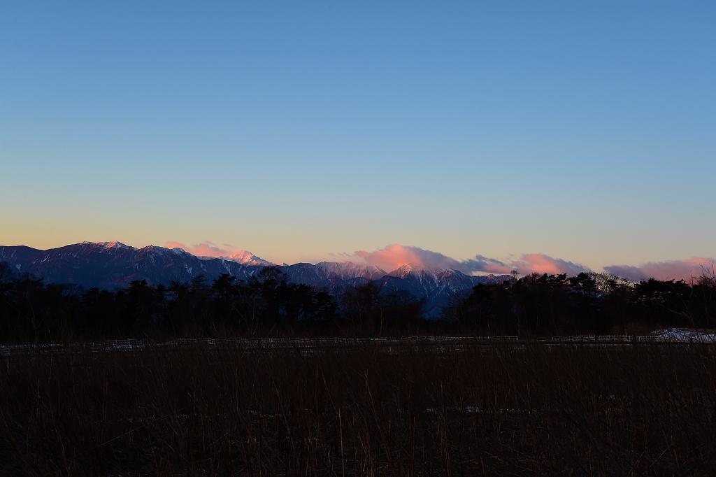 朝陽の山々_b0179231_22592586.jpg