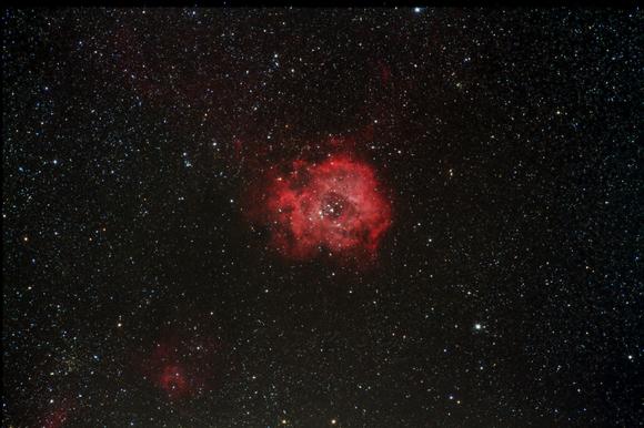 赤い薔薇は夜開く・・・_b0100253_208404.jpg