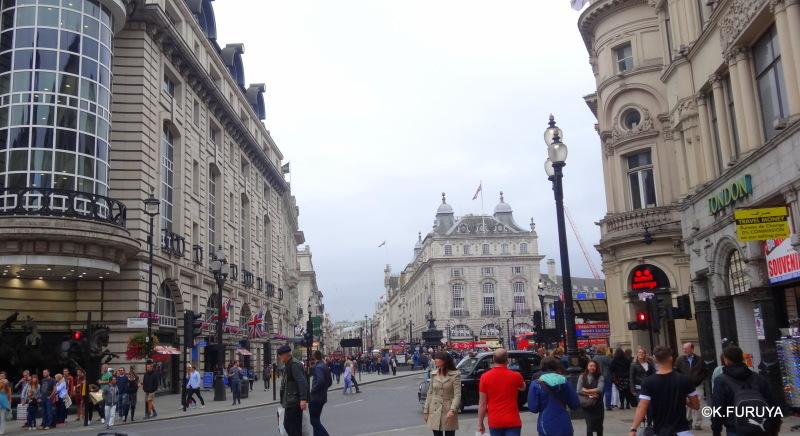 ロンドン10  コヴェントガーデンからピカデリーサーカスへ_a0092659_00043803.jpg