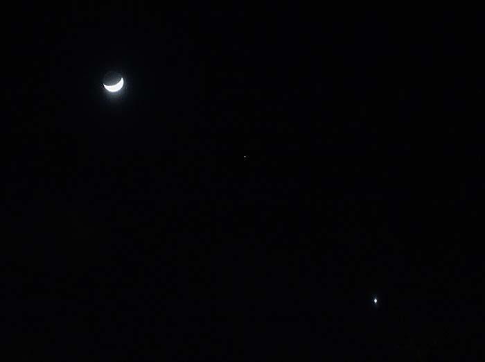 細い月と火星と金星_e0016894_07553369.jpg