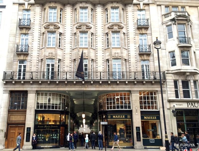 ロンドン 11  ピカデリーをブラブラ♪_a0092659_14351313.jpg