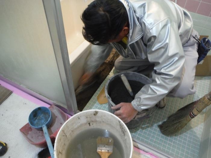 水回りを中心に床も工事 ~ 床タイル張り_d0165368_02352082.jpg