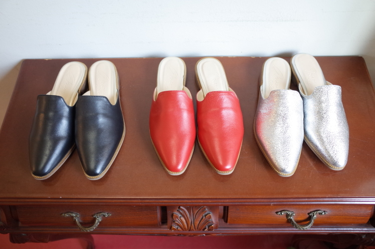 ★Leather slippers sandals★_e0269968_18315894.jpg