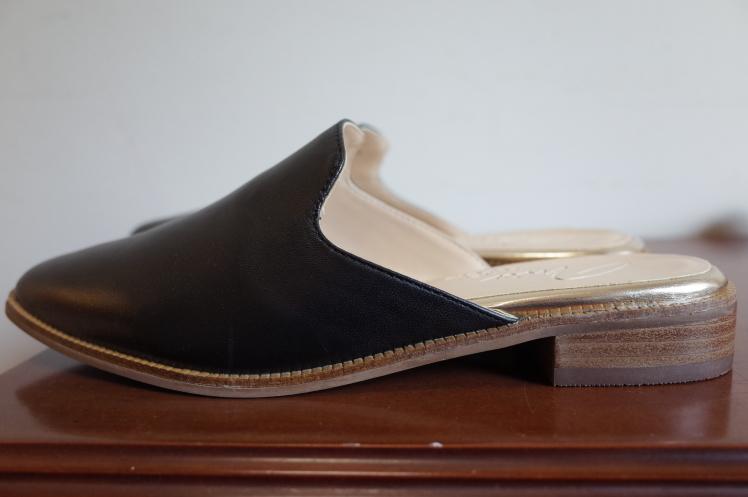 ★Leather slippers sandals★_e0269968_18333164.jpg