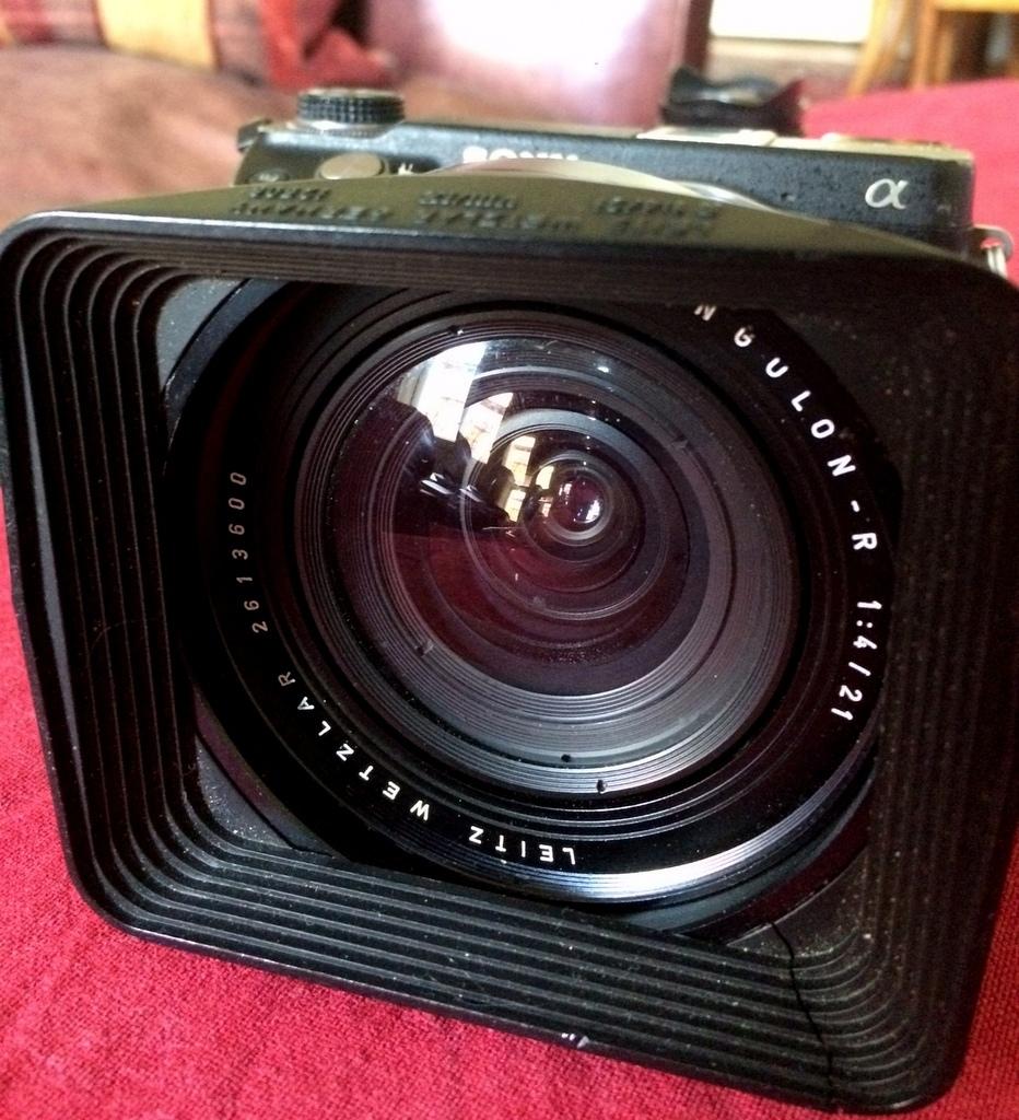 アナログレンズとデジタルカメラ_c0180686_08240643.jpg