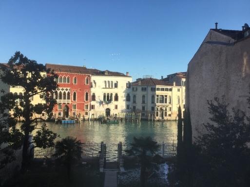 まだ続く・冬のイタリア旅はお得です!_b0210699_01381046.jpg