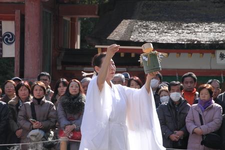 男山八幡宮 湯炊き神楽_e0048413_1863196.jpg