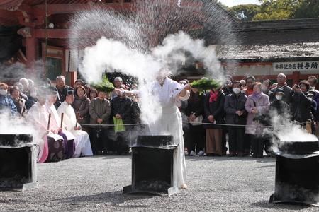 男山八幡宮 湯炊き神楽_e0048413_187573.jpg