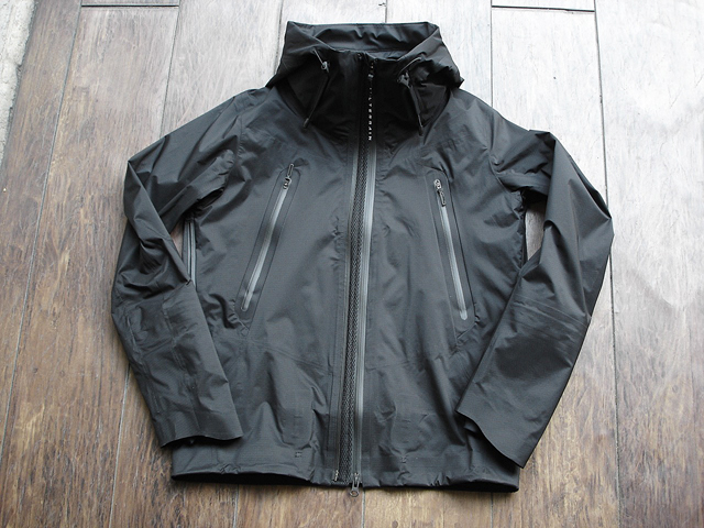 NEW : DESCENT [ALLTERRAIN]  INNER SURFACE TECHNOLOGY ACTIVE SHELL JACKET !!_a0132147_1765147.jpg