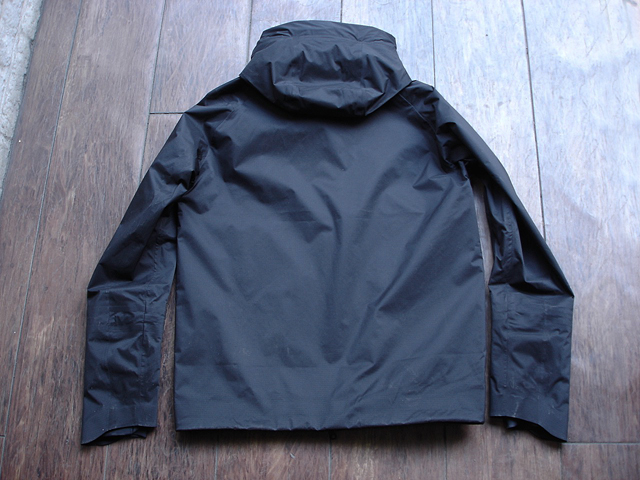 NEW : DESCENT [ALLTERRAIN]  INNER SURFACE TECHNOLOGY ACTIVE SHELL JACKET !!_a0132147_178110.jpg