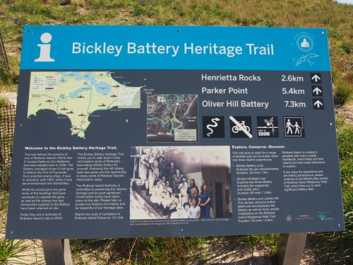 廃墟に線路に隠れ家的ビーチ!島を去る日にBickley Battery Heritage Trailを歩いてみる_c0351060_08572018.jpg