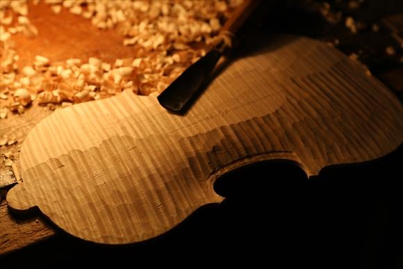ヴァイオリン製作 写真と動画(厚み出し)_d0047461_62438.jpg