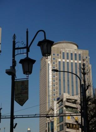 街頭の装飾の違い_f0055131_15325715.jpg