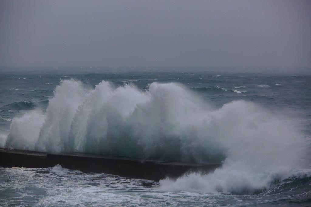 荒れる日本海_a0294534_17521661.jpg