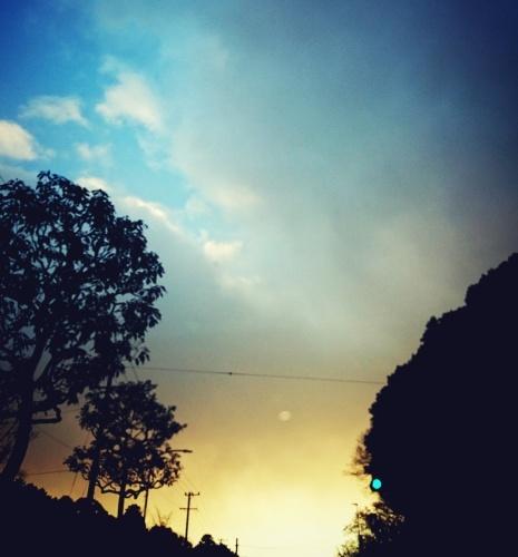 空を見上げれば…。_c0245240_19505226.jpg