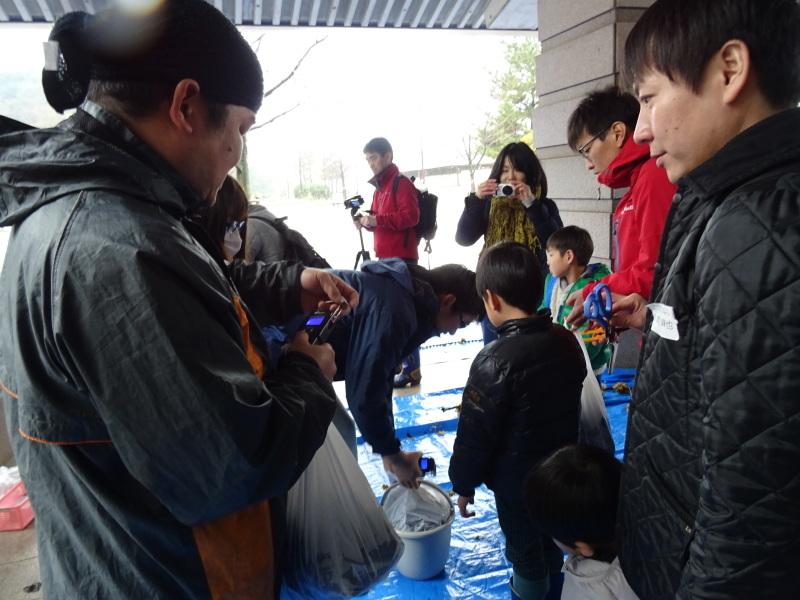 『みんなでワカメを育てよう:収穫祭』・・・せんなん里海公園_c0108460_20502632.jpg