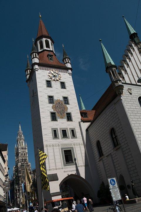 旧市庁舎はおもちゃの博物館_d0353489_18153813.jpg
