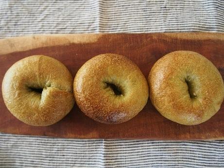 毎週木曜日はパンの日です。_a0325273_21524993.jpg