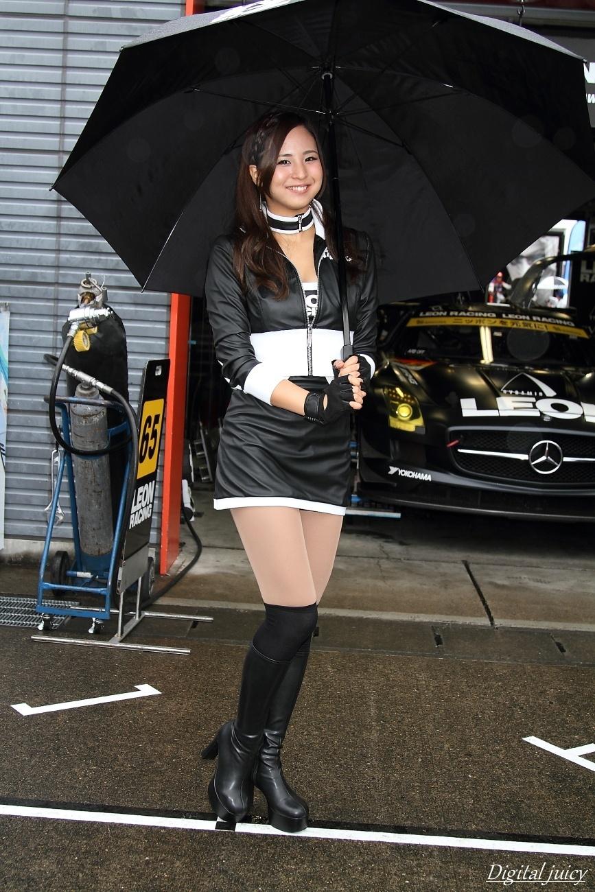 安田七奈 さん(LEON RACING LADY)_c0216181_01025580.jpg
