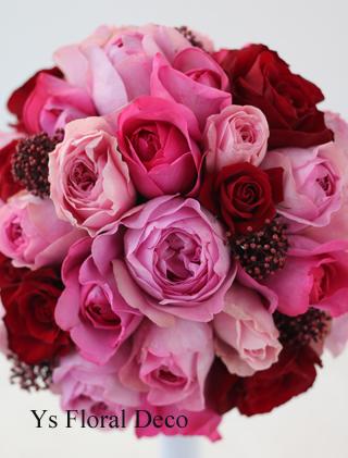 赤いドレスに合わせるピンク&赤のラウンドブーケ_b0113510_16133898.jpg