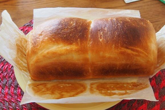 食パン焼きました。_a0240026_2051875.jpg