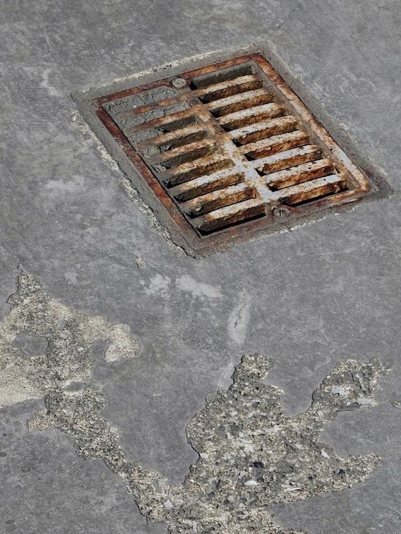 排水孔_c0156717_08550687.jpg