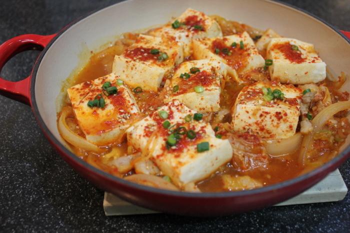 豚キムチと豆腐の炒め煮、豆腐トゥルチギ_a0223786_12573611.jpg