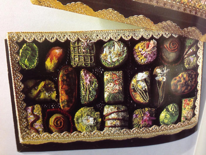 刺繍でチョコレート⁉️チョコレートを刺繍で⁉️_f0155431_21304778.jpg
