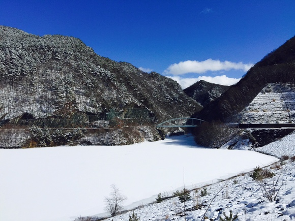 雪と青空のみずがき湖・・・_b0100253_19563229.jpg