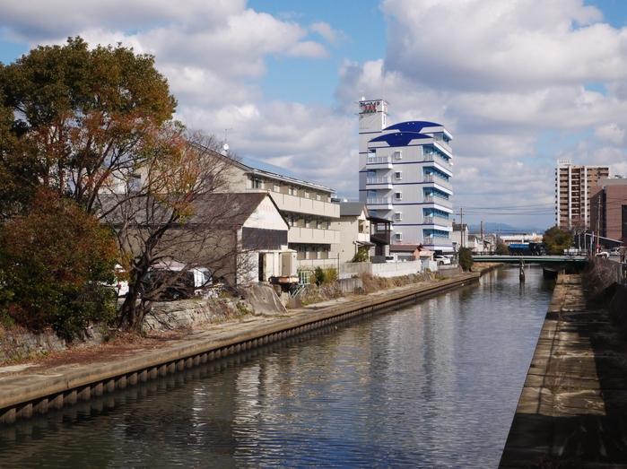 川のある風景_b0093754_2125118.jpg