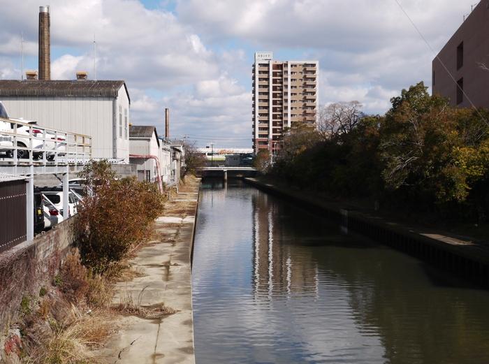川のある風景_b0093754_2126208.jpg