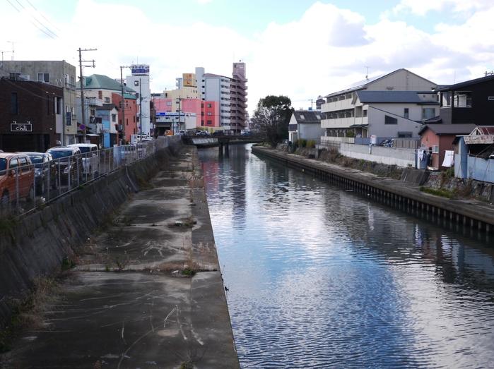 川のある風景_b0093754_2126924.jpg