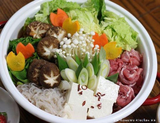 薔薇餃子 ✿ キムチ鍋(๑¯﹃¯๑)♪_c0139375_1132995.jpg