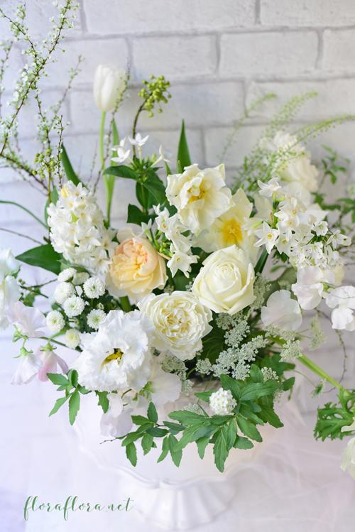 1月生花レッスンは…「白い花たちに新年の想いをこめて…」でした & Instagramでキャスケードブーケ連投中 東京目黒不動前フラワースタジオフローラフローラウェディングブーケ装花&フラワースクール_a0115684_16432177.jpg