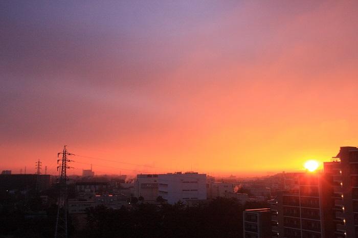 日の出とわた雲_b0268615_8332848.jpg