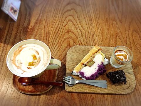 cafe sanaburi (カフェ サナブリ)_e0292546_07425825.jpg