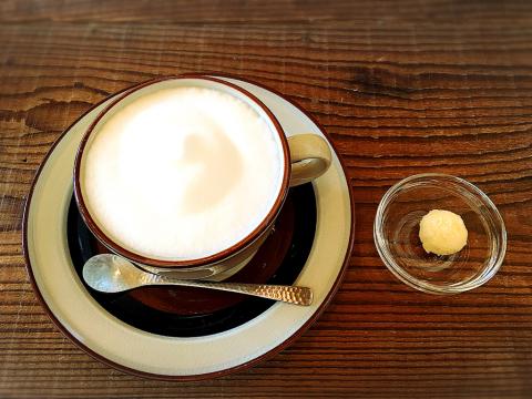 Naya coffee (ナヤ コーヒー)_e0292546_21582178.jpg