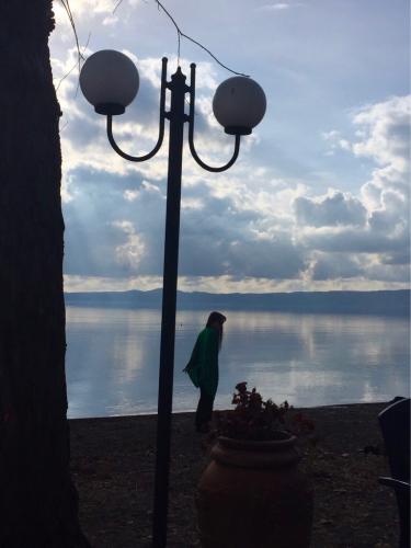 ボルセーナ湖 Lake Bolsena トラットリアPalomba美味しい!チヴィタ・ディ・バーニョレージョ おすすめ!イタリア珍道中2日目 オルヴィエート最後の夜!!!_f0355367_23182878.jpg
