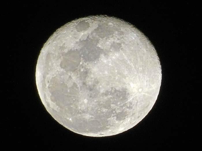 今宵の月は_e0016894_20423108.jpg